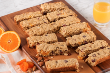 Christmas Oatmeal Bars with Almond and Apricot